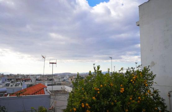 Πωλείται παλαιά οικία στο Κουκάκι Αθήνας με θέα.
