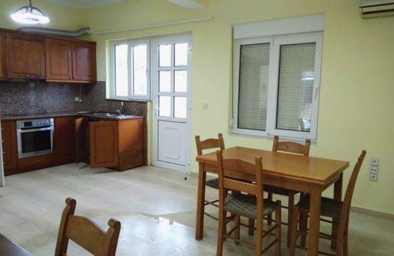 Ενοικιάζεται διαμέρισμα 129 τ.μ. και βρίσκεται 900 μέτρα από την παραλία του Σταυρού στον οικισμό Γαλήνη (Δήμου Αποκορώνα).
