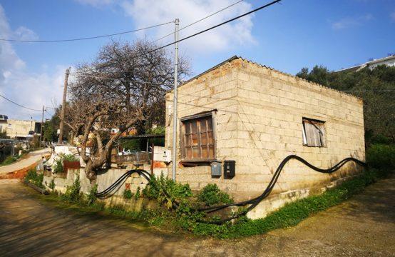Πωλείται οικόπεδο 180 τ.μ. εντός οικισμού Γαλατά. Κτίζει 180 τ.μ.