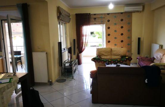 Πωλείται 4άρι διαμέρισμα διαμπερές στα Λενταριανά.