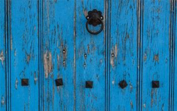 Πωλούνται και ενοικιάζονται παλαιές οικίες στο Νομό Χανίων από το μεσιτικό γραφείο ΑΝΑΠΤΥΞΗ Κτηματομεσιτική με έδρα τα Χανιά.