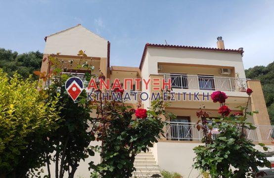 Πωλείται πολυτελής οικία 267τμ. σε έκταση 3 στρ. στο Πατελάρι